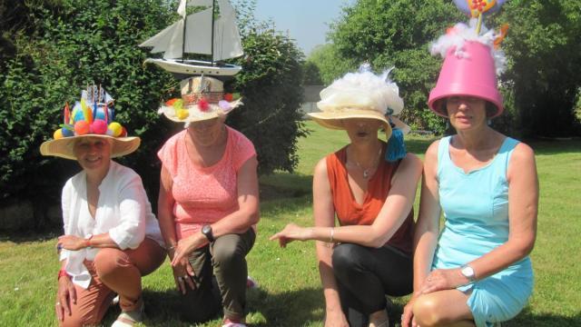 plouescat-des-chapeaux-en-souvenir-de-la-belle-poule